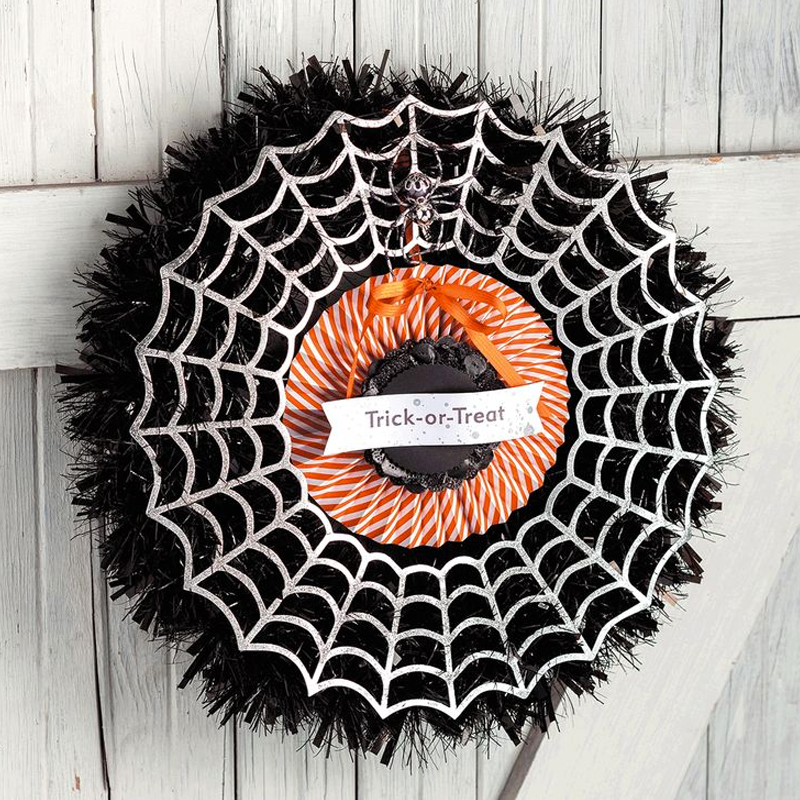 Frightful Wreath Simply Created Kit #135866 at WildWestPaperArts.com